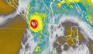 Actualización. Willa mantiene su trayectoria hacia Sinaloa