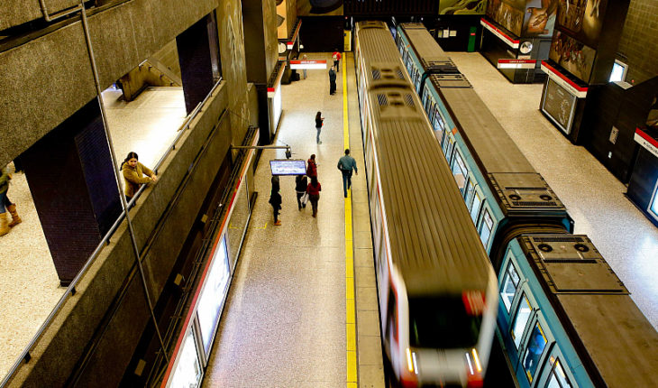 Authorities discussed measures to enhance the safety of women in the Metro of Santiago