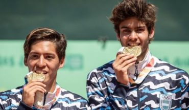 Baez and Diaz Acosta bathed in gold and gave him a medal historical Argentine tennis