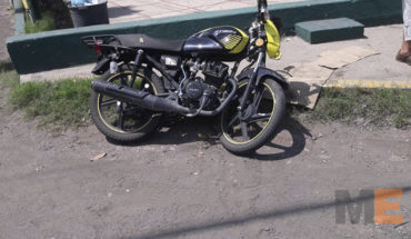 Between taxi and motorcycle accident leaves two injured in Apatzingan, Michoacán
