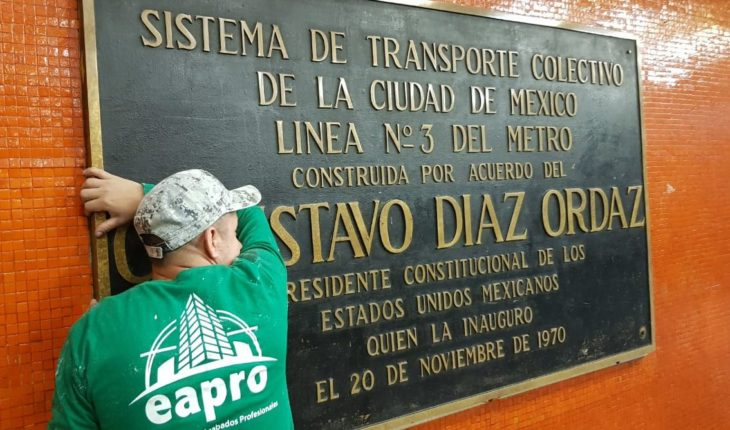 CDMX removed plates with the name of Diaz Ordaz