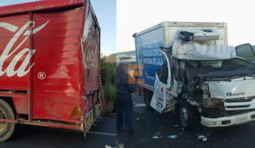 Clash between cargo truck leaves two injured Tangamandapio, Michoacán