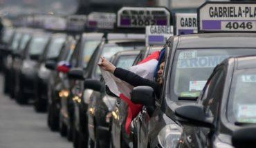 """Colectiveros anuncian """"acciones radicales"""" por el alza de combustibles"""