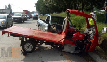 Collides truck against motorcar in the Beltway North of Morelia