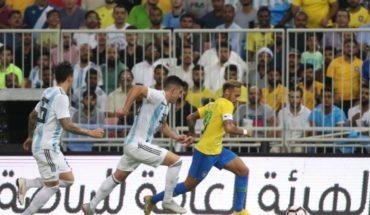 En la agonía, Brasil venció a Argentina en el Superclásico sudamericano jugado en Arabia Saudita