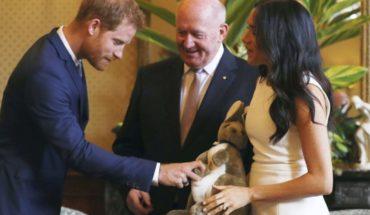 Enrique y Meghan inician gira australiana con regalos
