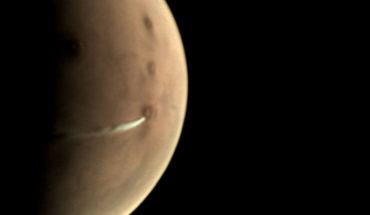 Extraña nube es captada en las cercanías de un volcán en Marte