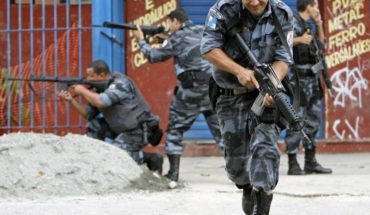 Four thieves killed after taking 25 hostages at home betting