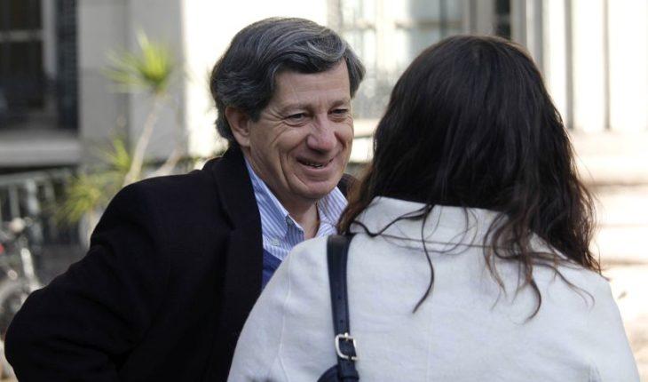 Gonzalo Rojas anunció su retiro como académico de la PUC