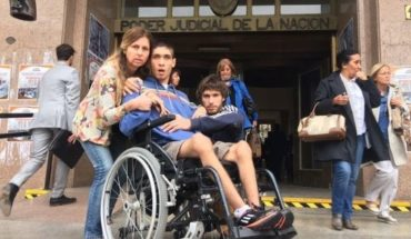 It is 20 years old, is disabled and ran out of benefits by the collapse of the Spanish Hospital