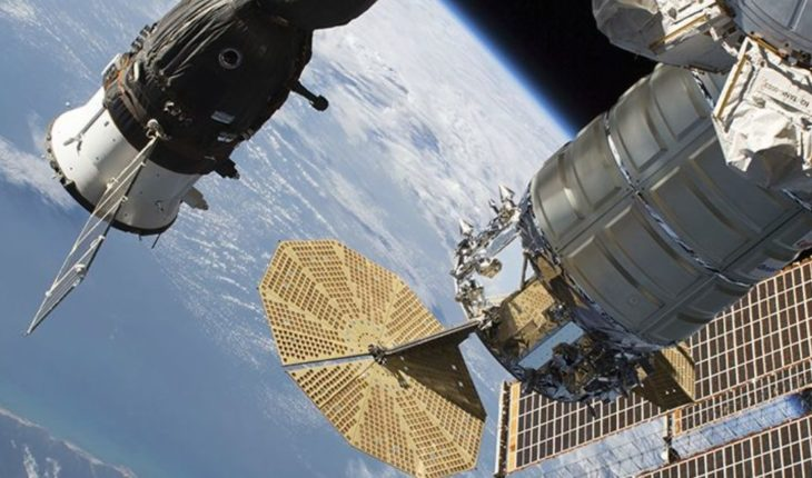 NASA looks for answers from mysterious hole in space station