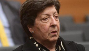 Pese al gesto de La Moneda, Carmen Frei le insiste a Piñera que saque a Luis Castillo