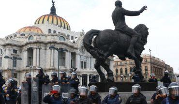 Policías de CDMX golpean y roban a dos antropólogas en Bellas Artes