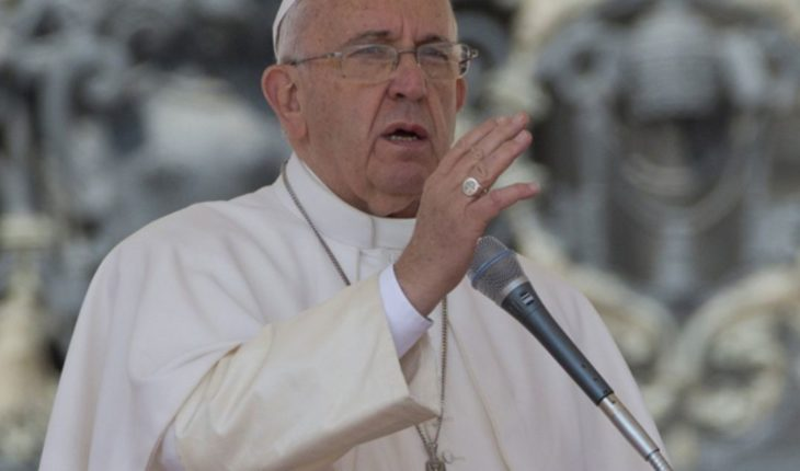 Pope expelled from the priesthood two bishops accused of abuse