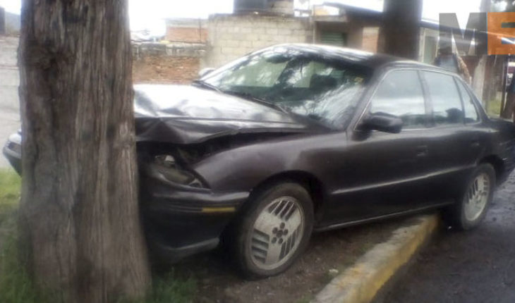 Register two road accidents in Zitacuaro, Michoacán