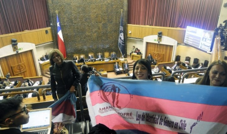 Right out of the hat a new formula to challenge the gender identity law before the Constitutional Court