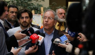 "Tomás Hirsch presents project: ""communal plebiscites bring us closer to real democracy"""