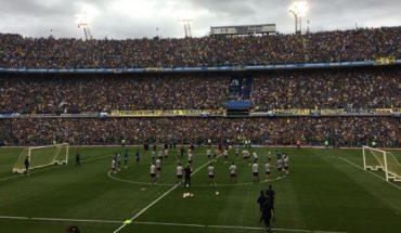 A estadio lleno, Boca se entrenó y despidió de su gente en La Bombonera