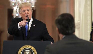 CNN demanda a Trump por retirar acreditación al corresponsal Jim Acosta