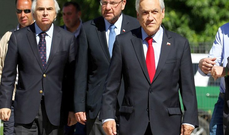 Cadem: aprobación de Carabineros cayó a 39% y Piñera marcó la cifra más baja de su período con un 38%