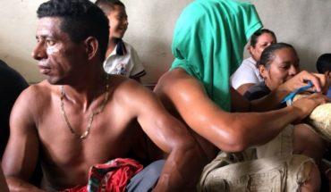 Caravana de migrantes negocia transporte en Veracruz