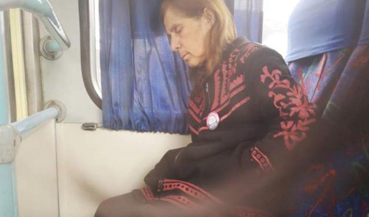 Caso de chofer que lleva a su esposa con Alzheimer al trabajo conmueve en redes sociales