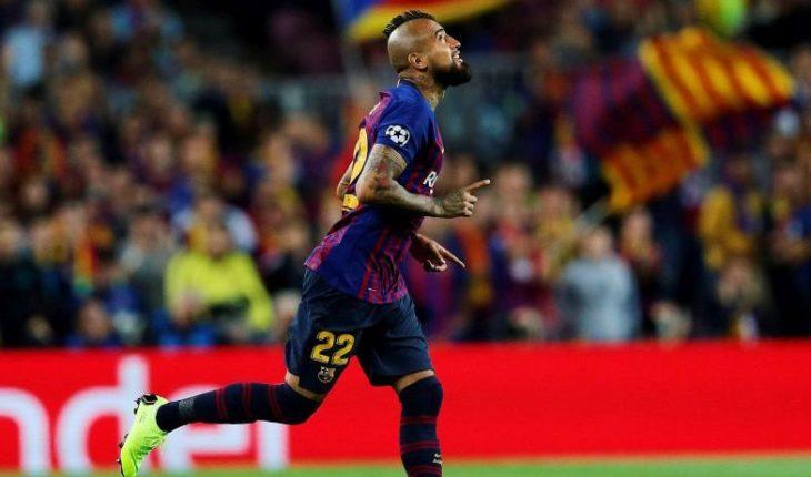Champions: Vidal sería del arrranque en el duelo del Barcelona ante el PSV Eindhoven