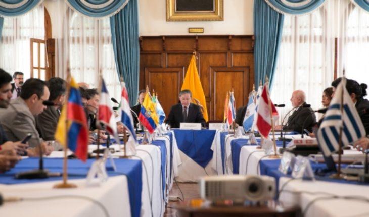 """Chile y otros siete países suscriben """"plan de acción"""" para facilitar migración venezolana"""
