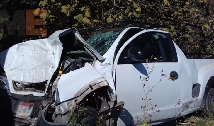 Choca contra un poste y muere en el tramo carretero La Piedad -Guadalajara