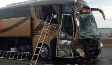 Choque de autobuses deja treinta heridos en la Tepic-Mazatlán