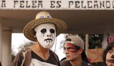 """Colombianos piden que """"no dejen morir"""" la educación superior"""
