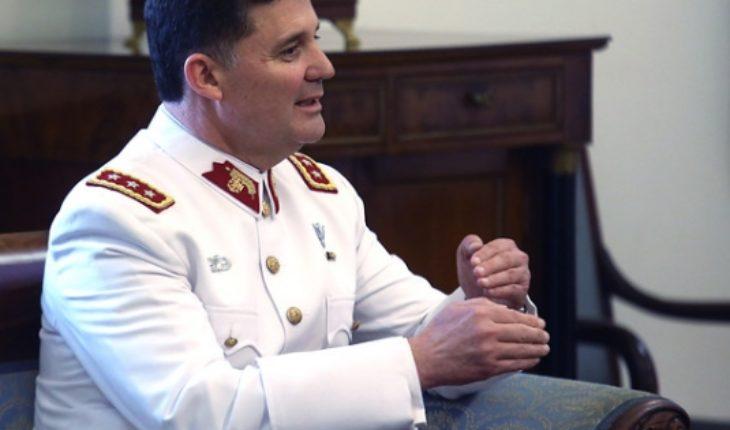 """Comandante en jefe del Ejército se agarra de las mechas con diputado RN: """"No puede darse el gustito de pedirme que yo le mire a la cara"""""""
