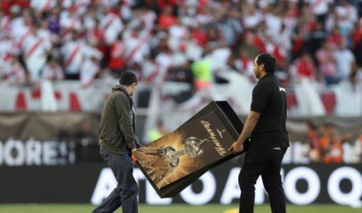 """Conmebol confirma que la final entre River y Boca fue suspendida indefinidamente porque """"no están garantizadas las condiciones de igualdad entre ambos equipos"""""""