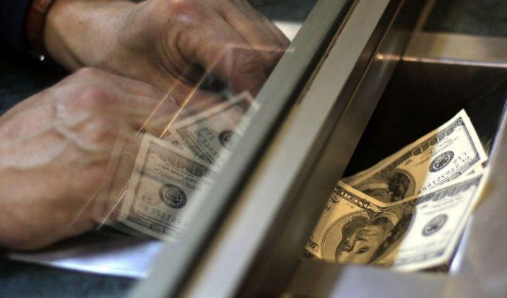 Dólar cierra al alza en línea con tendencia global y con los inversionistas pendientes de Buenos Aires