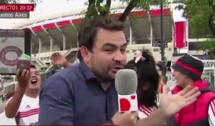 Defienden a periodista presuntamente ebrio en despacho: estuvo secuestrado por facción de Al Qaeda