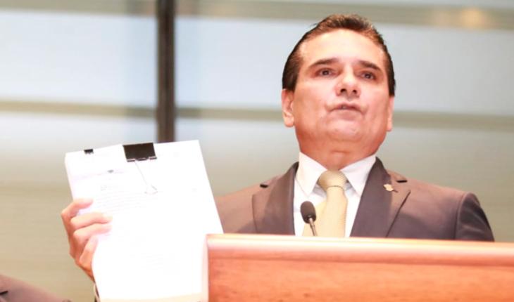 Devuelve gobierno de Michoacán servicios educativos a la Federación