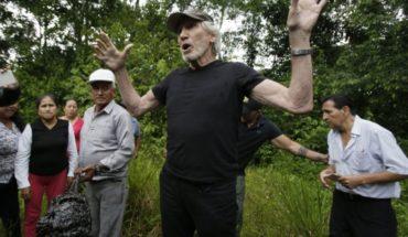 Ecuador: Roger Waters visita selva contaminada por Chevron
