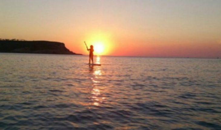 """El paddle board: el deporte sobre olas para quienes """"temen"""" al surf"""