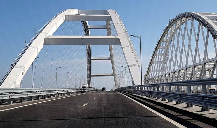 Entre el mar y espada: el bloqueo naval ruso de Ucrania. Puente de Crimea o puente sobre el estrecho de Kerch. Foto: Michael Ravodin (CC BY 2.0). Blog Elcano