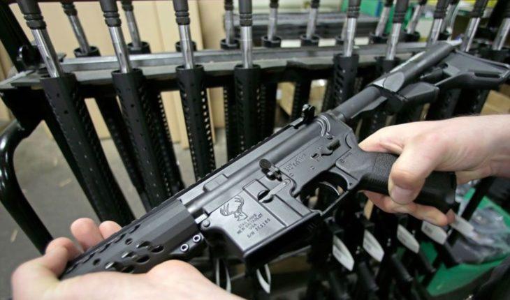 España estudia si entrega a traficante de armas que involucró a Menem