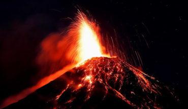 Evacúan comunidades tras erupción del Volcán de Fuego en Guatemala