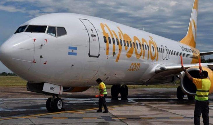 Flybondi les permitirá cambiar el vuelo a quienes viajaron a ver la final: ¿Cómo deben hacer?