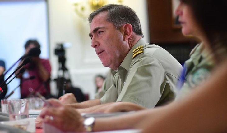 """General director de Carabineros: """"Tendremos que trabajar con fuerza para recuperar la confianza del país"""""""