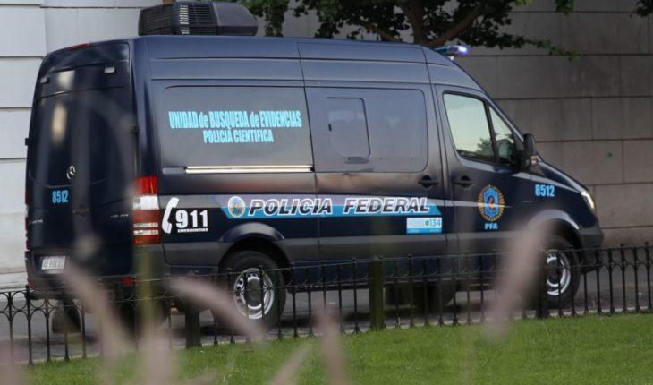 Hallaron presunto explosivo en la casa de juez que investiga a Kirchner
