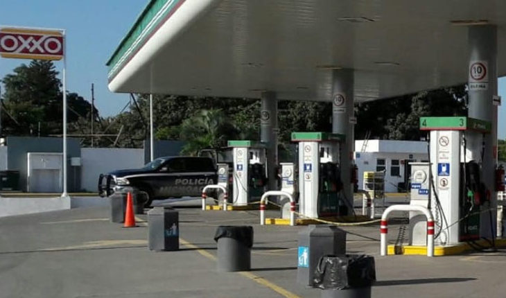 Hombre asalta gasolinera en Las Guacamaya tenencia de Lázaro Cárdenas, Michoacán