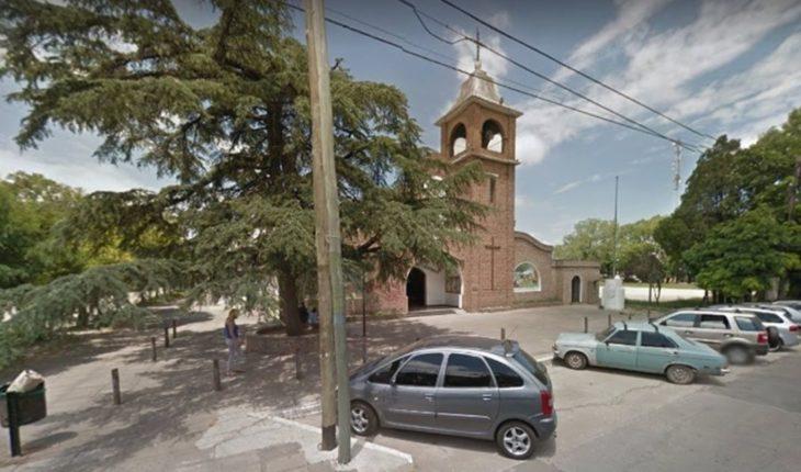 """Joven detenido acusado de colocar bombas """"molotov"""" frente a una parroquia en en Longchamps"""