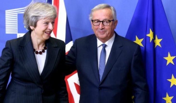 """Líderes de la UE respaldan acuerdo del """"brexit"""""""