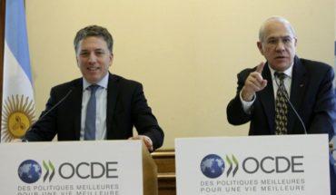 La OCDE proyecta casi 4 veces más caída para 2019 que el gobierno