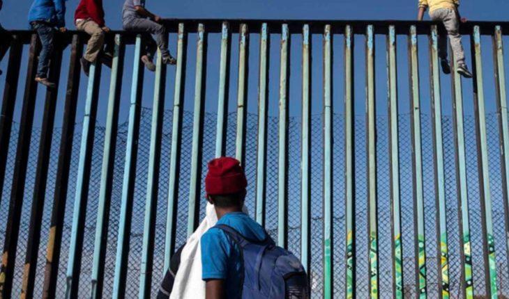 México deportará a migrantes que buscaron cruzar muro de EU