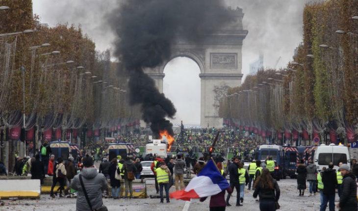 """Manifestaciones contra el """"gasolinazo"""" en Paris, deja episodios violentos"""